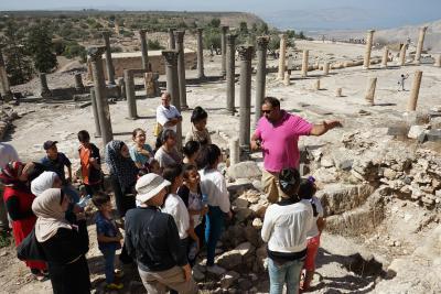 Große Teile der Aus- und Weiterbildung finden an den antiken Stätten Jordaniens statt.