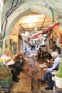 Erbil, Teehaus Mam Khalil am nördlichen Eingang zur Qaisariya der Schneider