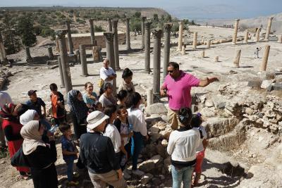 Programm Train the Trainers. Tandem-Führung zur Vermittlung des kulturellen Erbes in Umm Qais, Jordanien.jpg