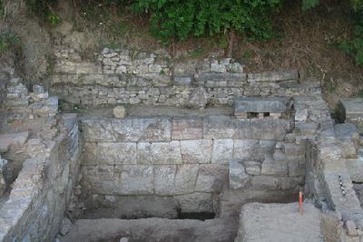 Lissos, Grabungsbereich A. Die sog. hellenistische Mauer von Westen
