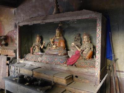 Im Palast von Ghemi hat sich die kunsthistorisch bedeutende Ausstattung des Altarraumes noch erhalten