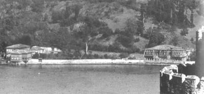 Historische Aufnahme des Uferstreifens mit dem selamlık und dem haremlik des Amcazade Yalısı